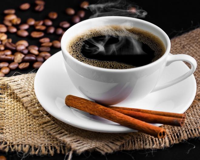 Hãy thêm chút quế hoặc ca cao vào tách cà phê của bạn