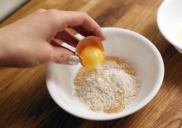 Mặt nạ bột mì, trứng gà