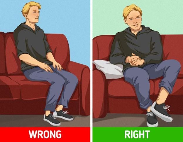 Ngồi thật thoải mái trên ghế của bạn khi giao tiếp