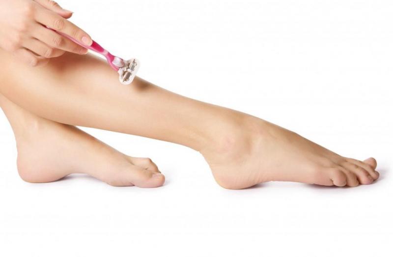 Thường xuyên cạo lông chân