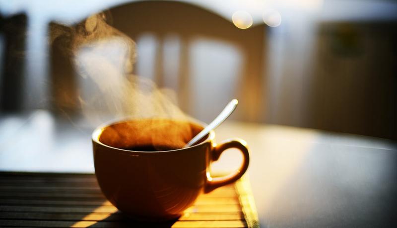Tránh uống cà phê sau 2 giờ chiều