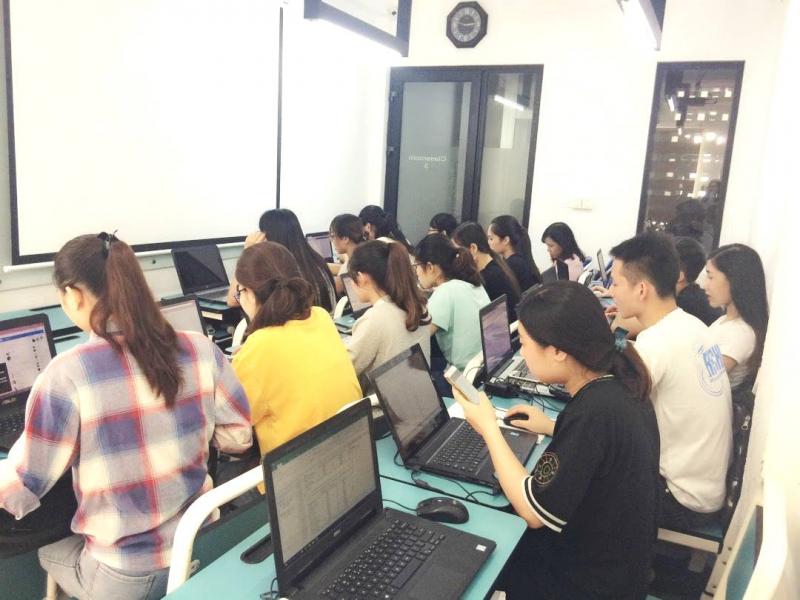 Trung tâm Ngoại ngữ Tin học - Đại Học Công Nghiệp Vinh