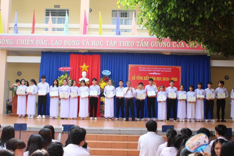 Trường THPT Nguyễn Chí Thanh