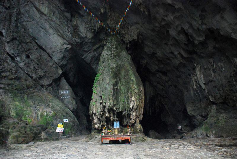 Bài văn thuyết minh về chùa Hương số 10