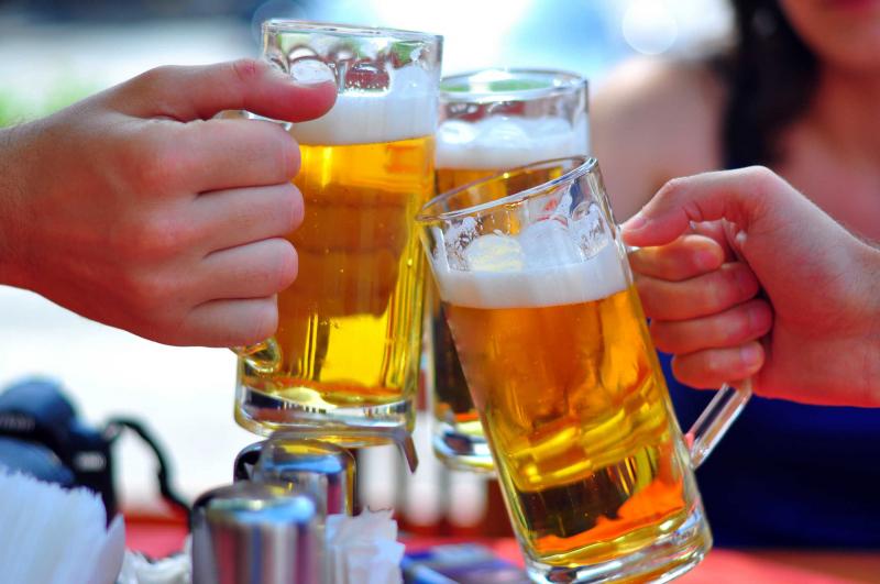 Cơ thể bạn có mùi như rượu bia
