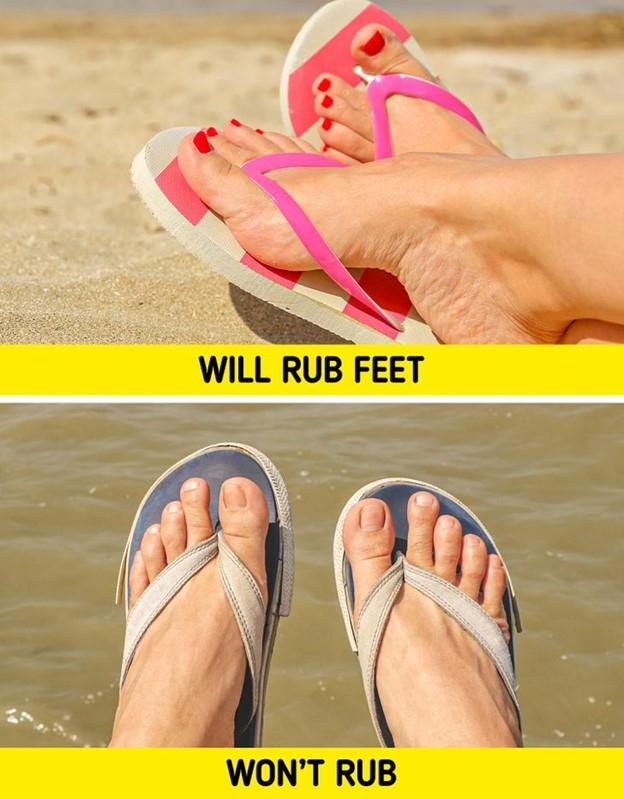 Dép tông vải sẽ giúp chân bạn tránh bị phồng rộp