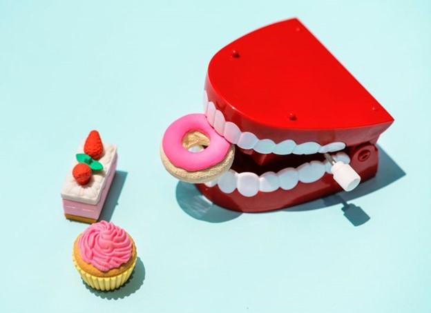 Tại sao sâu răng lại xuất hiện và làm thế nào để ngăn ngừa chúng ?