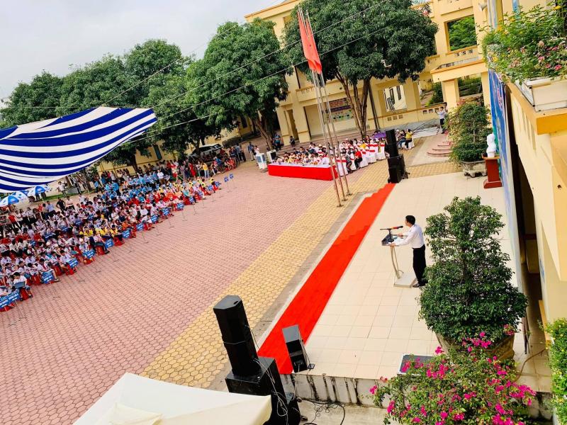 Trường THCS Đặng Thai Mai