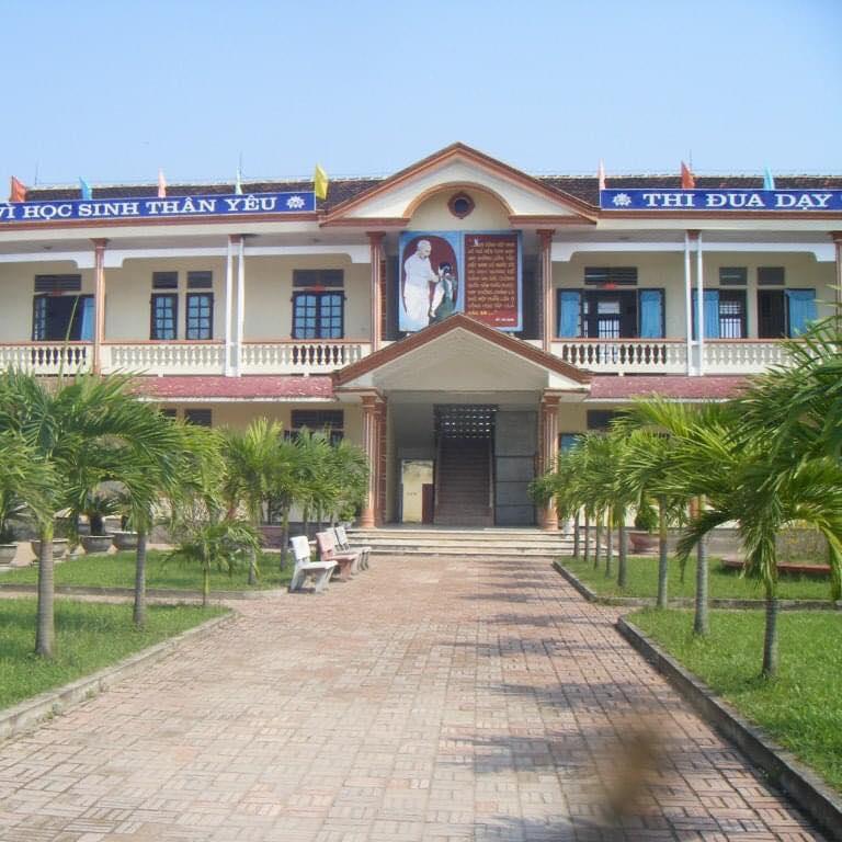 Trường THCS Hồ Xuân Hương