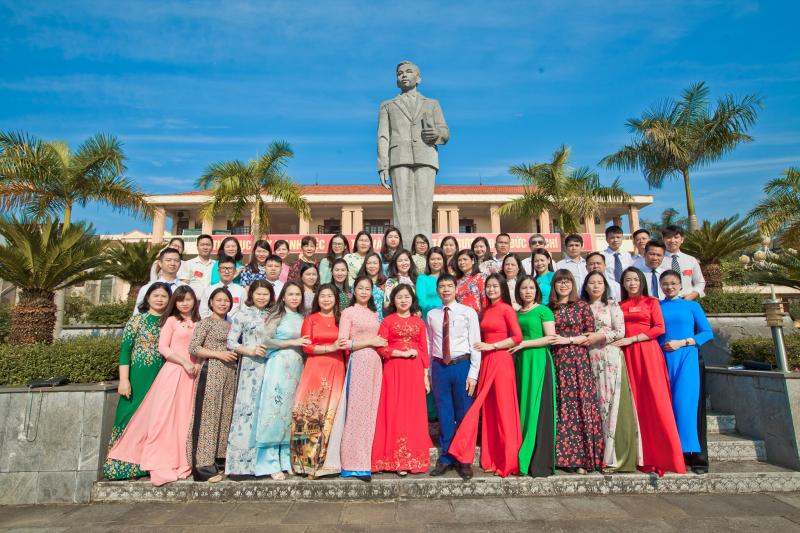 Trường THPT Chuyên Lê Quý Đôn