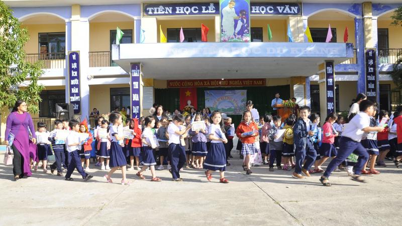 Trường Tiểu học Dư Khánh