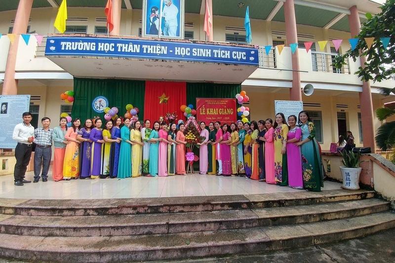 Trường Tiểu học Nguyễn Thị Minh Khai