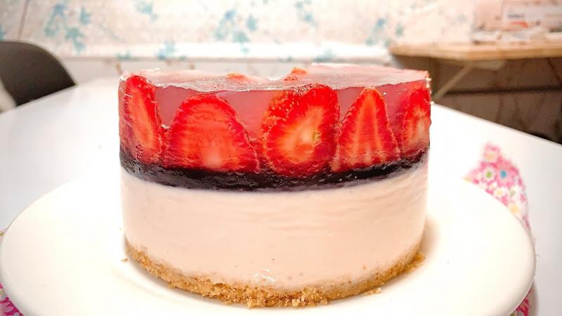 Bánh cheesecake dâu tây