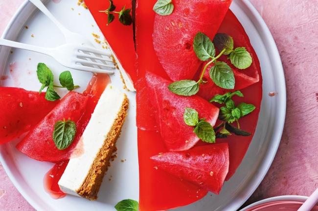 Bánh cheesecake thạch dưa hấu