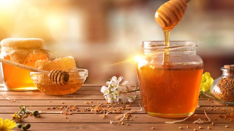 Cách giảm cân bằng mật ong và nước ấm