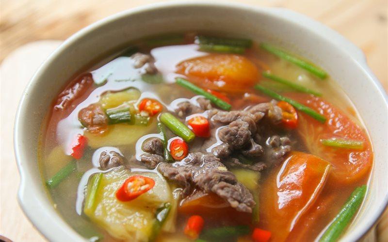 Canh thịt bò nấu dứa