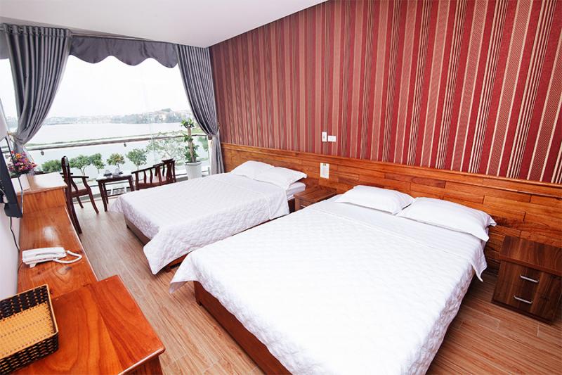 Khách sạn Phi Long