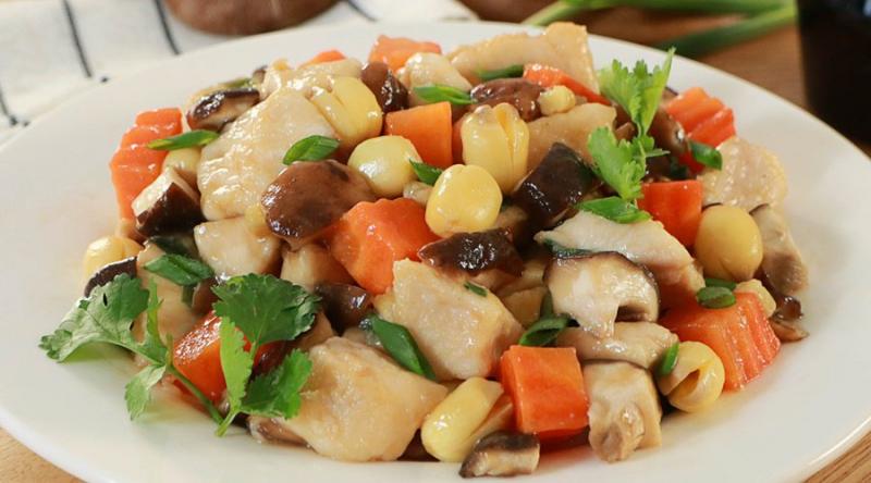 Nấm hương xào thịt gà