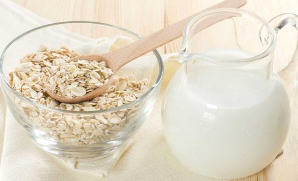 Nấu cháo yến mạch với sữa