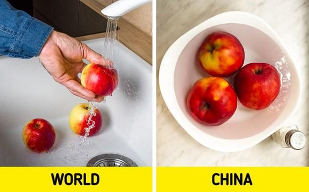Ngâm, rửa trái cây và rau trong nước muối