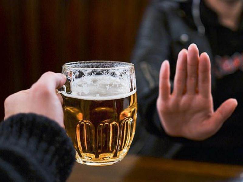 Nói không với đồ uống có cồn, đồ uống có gas
