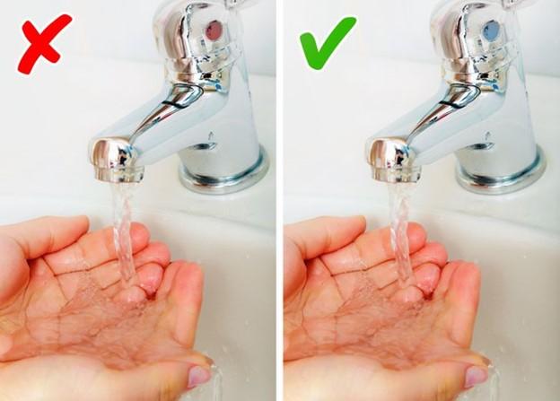 Rửa tay bằng nước nóng