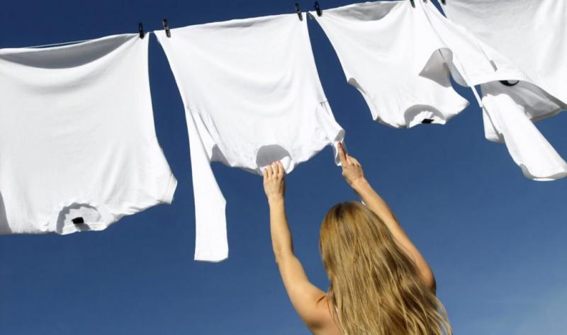 Sử dụng chất tẩy trắng tối ưu nhất là ánh nắng mặt trời