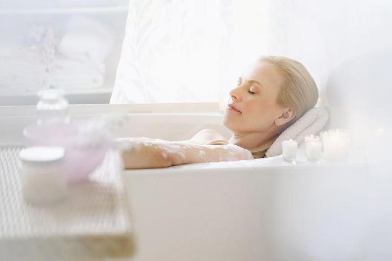 Tắm với muối Epsom để chữa đau xương và khớp