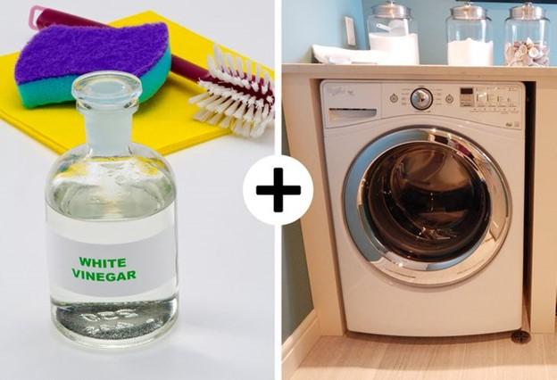 Thêm một lượng giấm trắng trong khi giặt