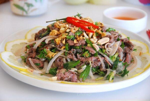 Thịt bò nộm rau muống