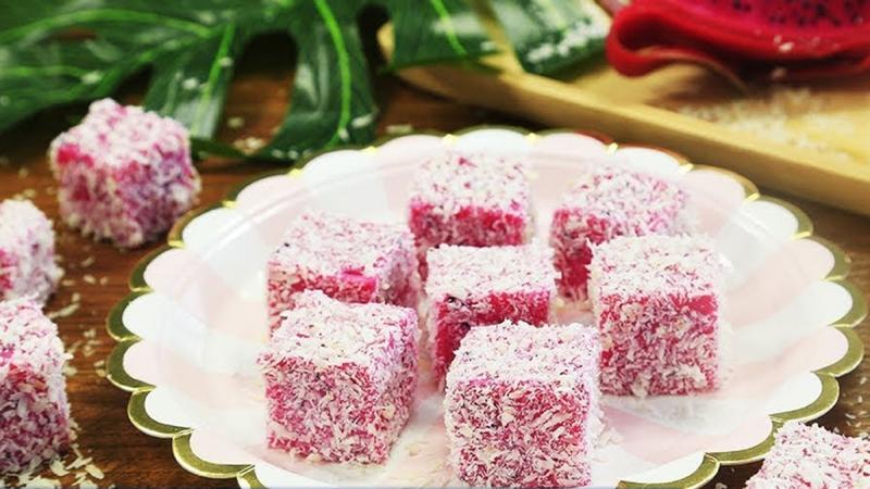 Bánh thanh long ruột đỏ lăn dừa