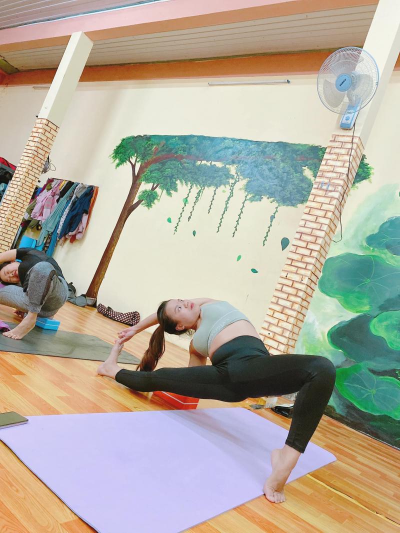 CLB_Yoga_Trúc Poly_Kon Tum