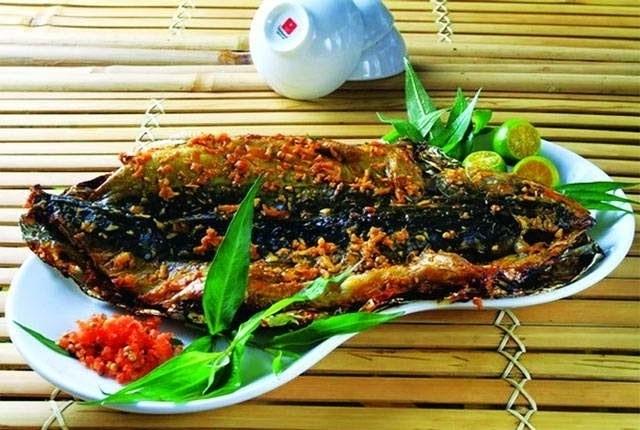 Cá lóc nướng sa tế