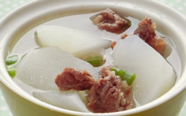 Canh củ cải thịt bò