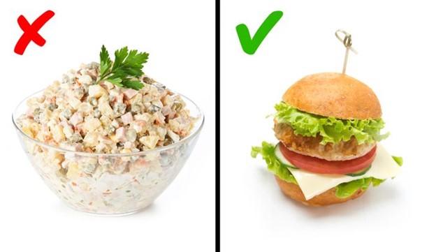 Chọn salad thay vì bánh burger