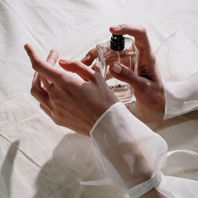 Chú ý cách chọn và sử dụng nước hoa cho da nhạy cảm