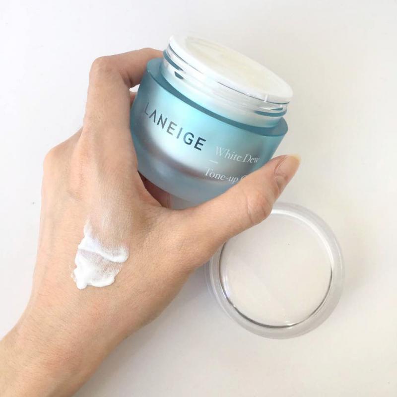 Kem hiệu chỉnh nâng tông làm trắng da Laneige White Dew Tone-Up Cream 50Ml